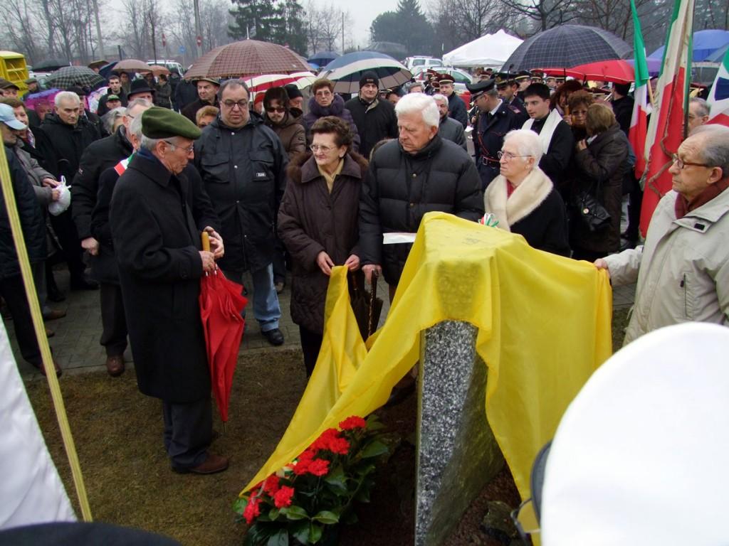 AMBROGIO ZOCCHI  durante una delle sue ultime apparizioni pubbliche, in occasione dell'inaugurazione del Pardo dei Partigiani a Samarate, il 14 Febbraio 2010